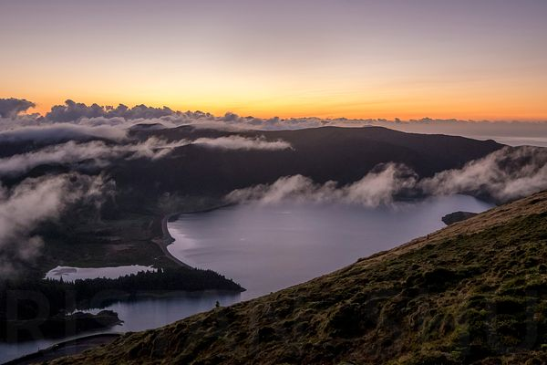 Sunrise in Lagoa do Fogo