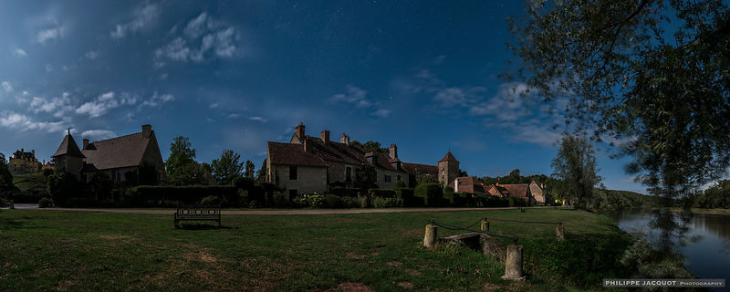 Village under the Moon - Apremont-sur-Allier - Cher