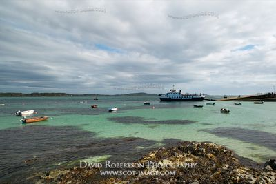 Image - Caledonian MacBrayne ferry at the Iona jetty