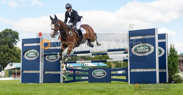 Michael Owen and BRADELEY LAW - Show jumping and prizes - Land Rover Burghley Horse Trials 2019