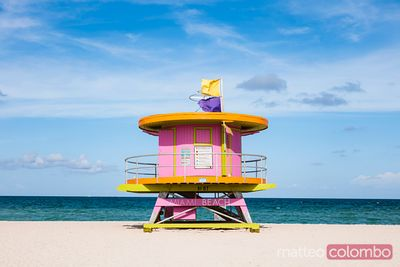 Pink lifeguard cabin on South beach, Miami, USA