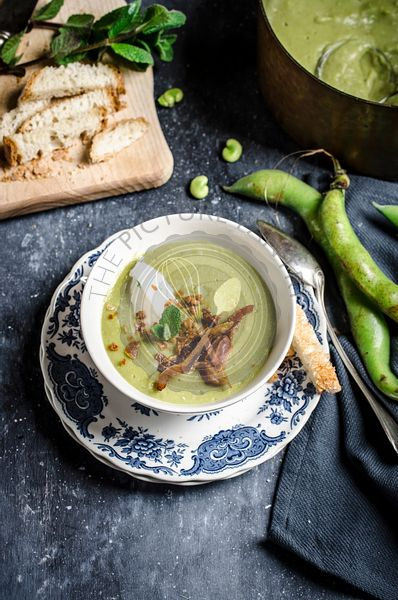 Fava bean soup with bacon and croutons
