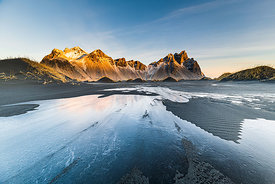 Golden sunrise on Vestrahorn