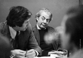 #77194  Denys Lasdun, Council meeting, Architectural Association School of Architecture, London  1975.