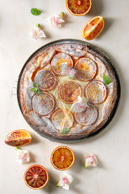 Cake with blood orange