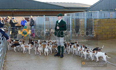 The Oakley Foot Beagles at the Cottesmore Kennels 30/12