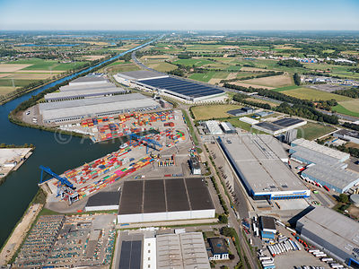 Holtum, Born, logistics business park Holtum North I (1) and Holtum North III (3) in the foreground barge and rail terminal, ...