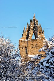 Image - The National Wallace Monument in snow