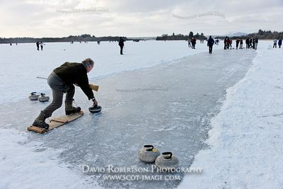 Image - Competitor, curling match, Lake of Menteith