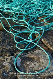 Image - New rope on stone harbour