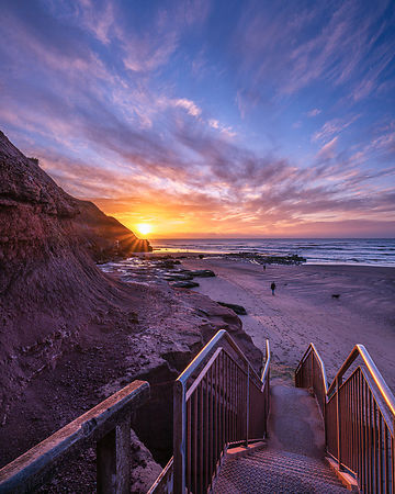 Staircase_to_sunrise_-_Orcombe_Point