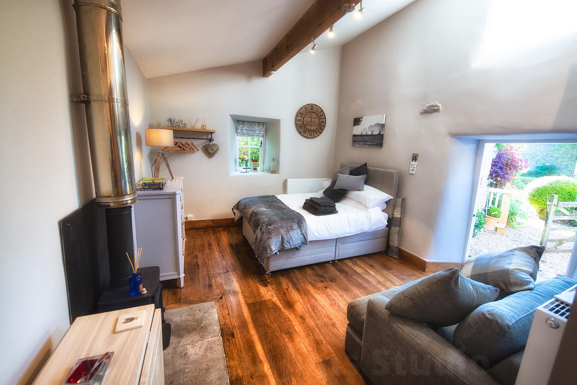 For more info on this stunning small barn holiday cottage visit https://www.villagerjimscottage.co.uk