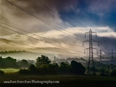 2010-10-07_Sheffield_pylons_025-Edit