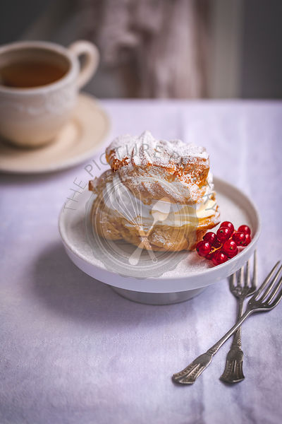 Cream puffs pastry