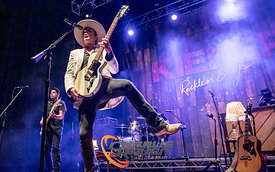Kiefer Sutherland performing in Bournemouth