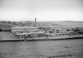 #83596,  Whitworth Comprehensive School, Whitworth, Lancashire.  1970.  Shot for the book, 'Family and School, Penguin Englis...