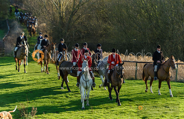 Chris Edwards, Major Tim Brown at the meet. The Pytchley Hounds visit the Cottesmore at Town Park Farm 15/1