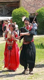 Medieval Oriental Entertainers