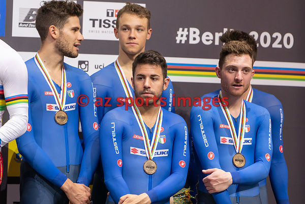 Men 's Team Pursuit medal awards ceremony - Italy - SCARTEZZINI Michele, CONSONNI Simone, GANNA Filippo, LAMON Francesco