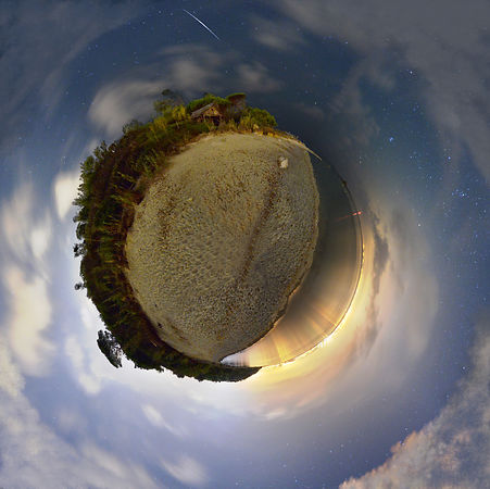 MY LITTLE PLANET-LA PLAGE DE LA MOUTTE -ST TROPEZ