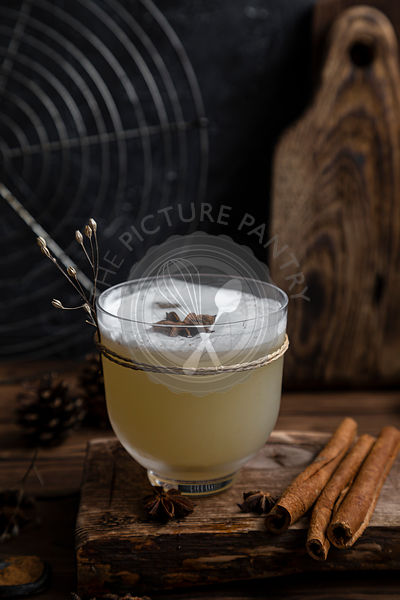 Cloudy apple kombucha cocktail