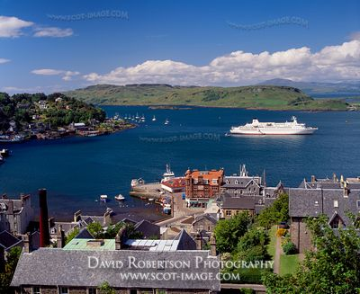 Image - Cruise ship at Oban, Scotland