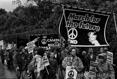 N70-28 CND March for the Future 1981