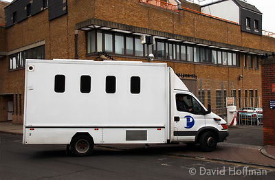 20021prison van Van bringing prisoners to Thames magistrates Court.