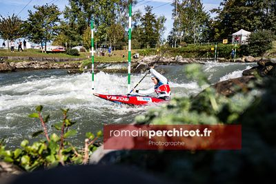 PAU, FRANCE - OCTOBER 8 2020 :  Canoe slalom French olympic selection at Stade d'Eaux Vives on October 08, 2020 in Pau, Franc...