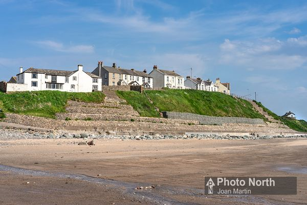SEASCALE 06B - Cliff top houses, Seascale Beach