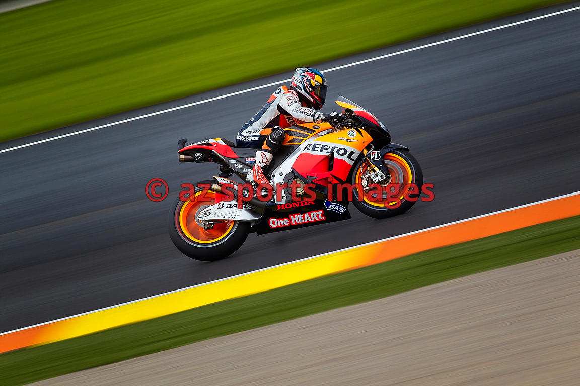 VALENCIA - SPAIN - NOVEMBER 11 - Moto Grand Prix Comunitat Valenciana at Ricardo Tormo Circuit on 10 november 2012 - (Photo D...