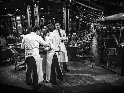 waiters_bw