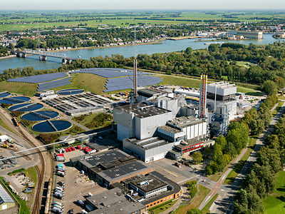 Dordrecht, HVC waste-to-energy plant and WWTP (AWZI) Dordrecht with the Crayestein solar park | 306179