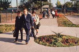 #4645,  Students arriving at The Lord Byron School, Leninakan (now Gyumri), Armenia.  At 11.41am on the 7th December 1988, Ar...