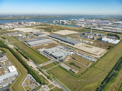 Moerdijk, the former Shell site on the Westelijke Rondweg transforms into a Logistek business park with a Smartlog location o...