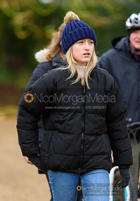 Amelia Leeming at the meet. The Cottesmore Hunt at Pickwell 31/12