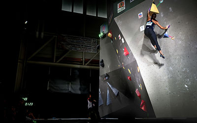 QUALIF_WOMEN_BOULDER_WOMEN_AgenceKros_RemiFabregue-3
