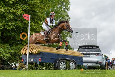 Lauren Kieffer and VERMICULUS - Cross Country - Land Rover Burghley Horse Trials 2019