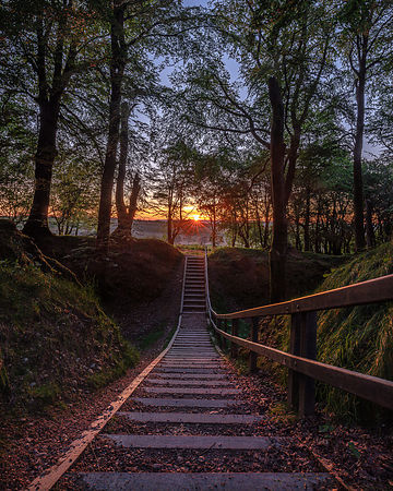 Midsummer_Sunrise_-_Woodbury_Castle