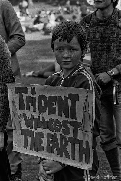 N81-23 CND March for the Future 1981
