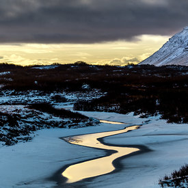 Winter_contrast_in_Iceland_www.emm.is-2
