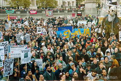 01111904-35 Peace march, London.19 Nov 2001