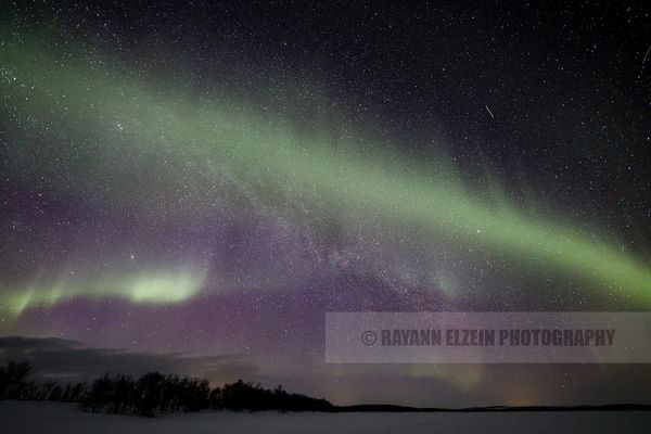 Faint northern lights and Milky Way in Lapland