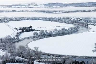 Image - View over a meander in the River Forth, winter snow