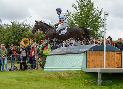 Francis Whittington and EVENTO - Cross Country - Land Rover Burghley Horse Trials 2019