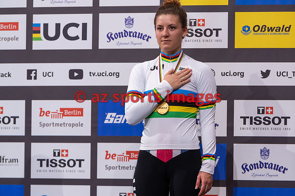 Women's Individual Pursuit medal awards ceremony - DYGERT Chloe (USA)
