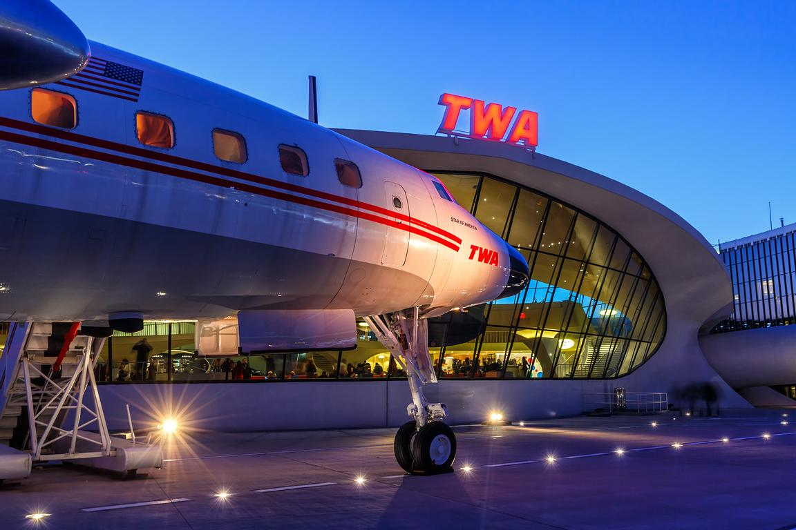 TWA Trans World Airlines Lockheed L1649A Starliner Connie Flugzeug Flughafen New York JFK