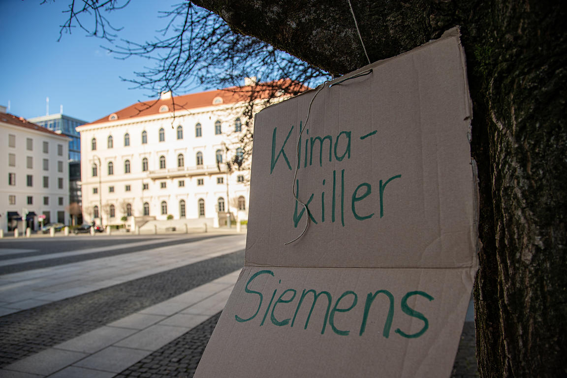 Climate Strike against Siemens