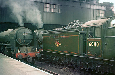 PHOTOS OF EX-LNER A2 CLASS 4-6-2 STEAM LOCOS