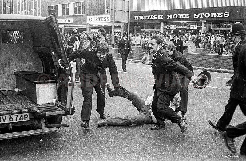 England, UK. 13.8.1977. London. Lewisham. The Battle of Lewisham. After anti-fascist counter-demonstration confronts a Nation...